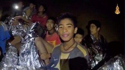 Race tegen water en klok: honderden pompen ingezet om voetballertjes Thaise grot te laten 'uitwandelen' zonder gebruik van duikuitrusting