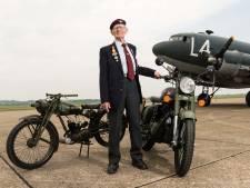 Royal Enfield bewijst eer aan veteranen Slag om Arnhem