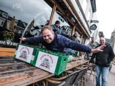 Partij voor de Bieren steunt Zevenaarse kroegen met lege kratten: maak een selfie voor het café