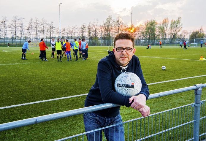 Abdel Ilah Rubio vertrok met zijn zoontjes uiteindelijk ook naar een 'witte'club buiten Rotterdam.