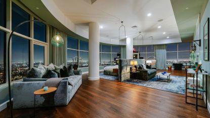 BINNENKIJKEN. 'Friends'-acteur Matthew Perry zet zijn penthouse te koop voor 39 miljoen euro