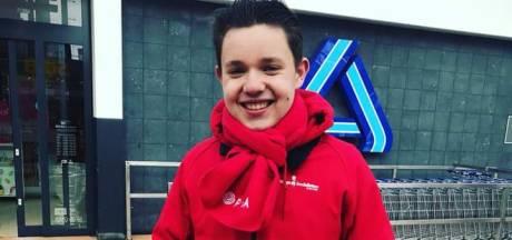 Niek (17) uit Almelo wil liever in gemeenteraad dan pizza's bezorgen