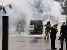 Busbrand in Bant, eigenaar voorkomt erger