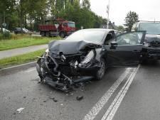 Ravage en verkeershinder na kettingbotsing bij Apeldoorn