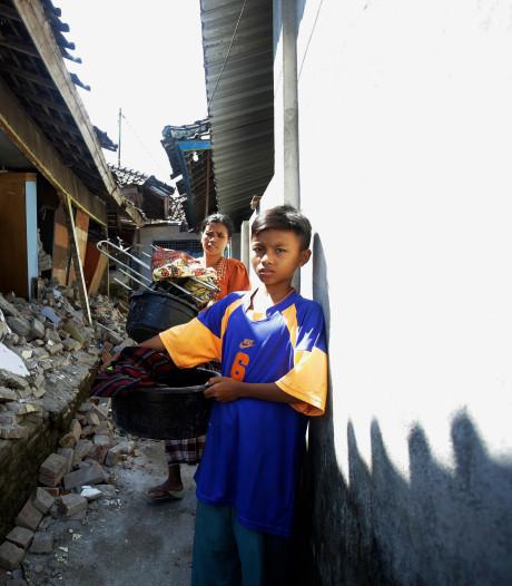 Weer aardbeving op Lombok: 'er staat niks meer overeind'