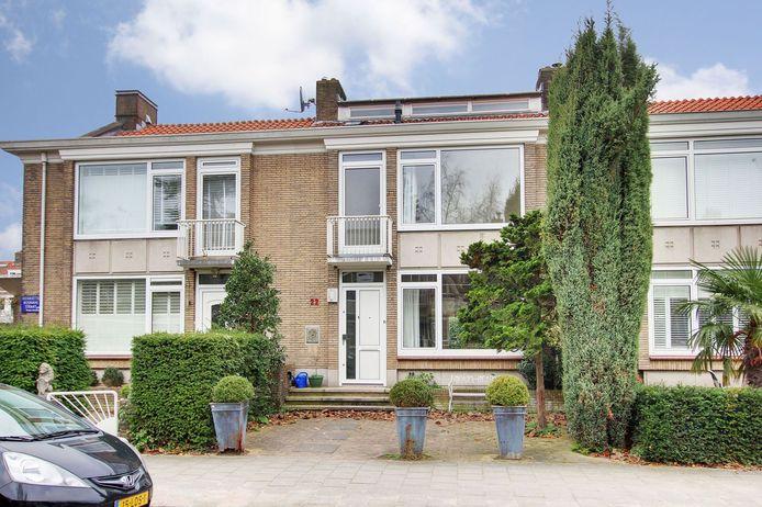 Het rijtjeshuis dat sinds deze week te koop staat voor bijna 1,5 miljoen euro, in Amsterdam-Zuid.