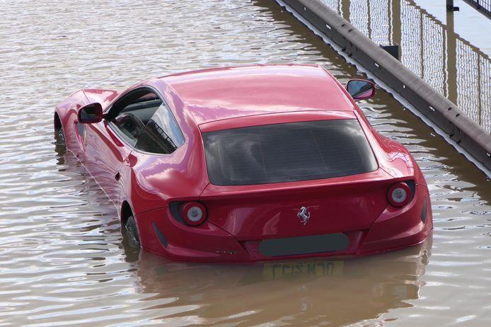 De gestrande Ferrari FF.
