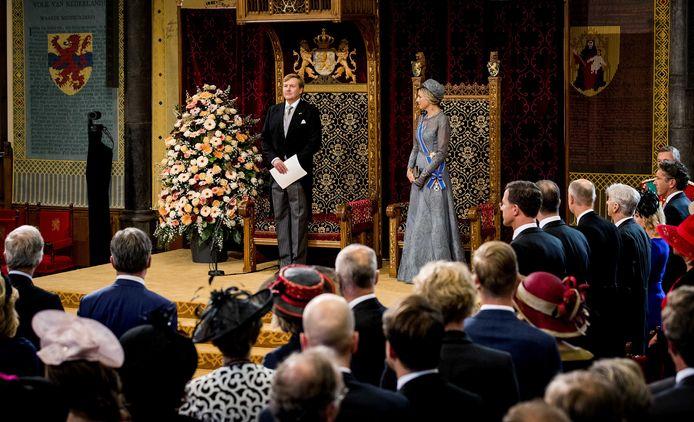 Koning Willem-Alexander leest, met aan zijn zijde koningin Máxima, jaarlijks de troonrede voor op Prinsjesdag aan leden van de Eerste en Tweede Kamer in de Ridderzaal.