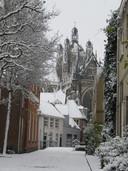 Je zou bijna denken dat het een schilderij is, maar het is toch echt een foto van Dirk van Gaalen. Dit plaatje is geschoten bij de Sint-Jan in Den Bosch. Waanzinnig.