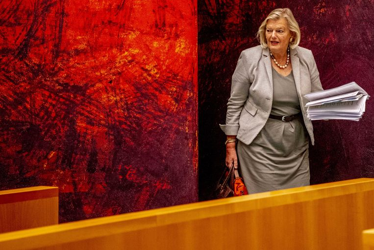 Staatssecretaris Ankie Broekers-Knol van Justitie en Veiligheid tijdens een debat in de Tweede Kamer over de brand in het vluchtelingenkamp Moria op het Griekse eiland Lesbos. Beeld ANP