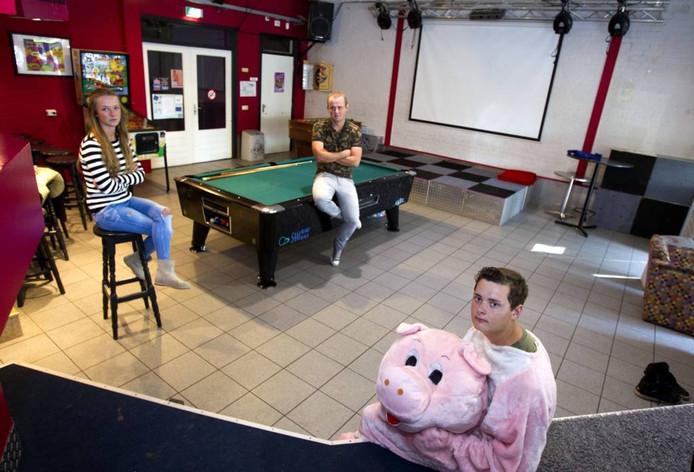 Tienerdisco Whoopz in Dommelen stopt ermee. Het verbod op verkoop van energiedrankjes doen het jongerenfeest na zes jaar de das om.