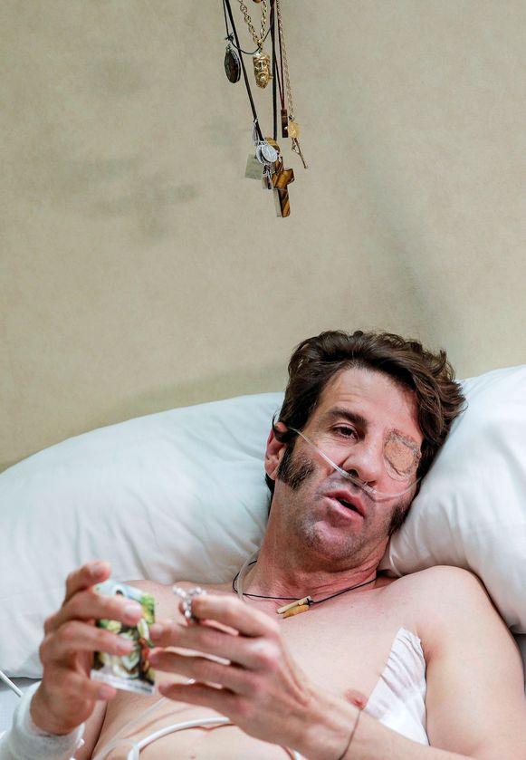 Juan Jose Padilla (43), bijgenaamd El Pirata, op zijn ziekenbed in Valencia.