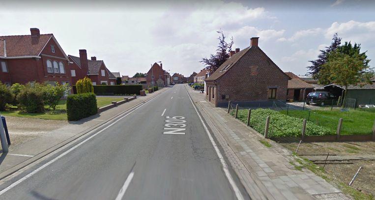 De Gentstraat in Meulebeke. Bij de heraanleg komt er aan beide zijden een nieuw fietspad.