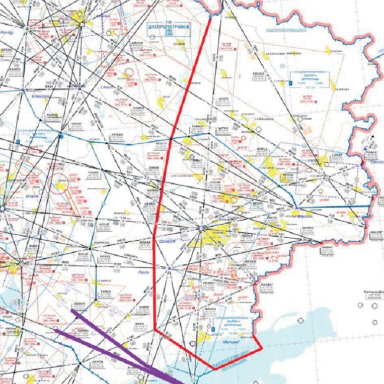 De vele vliegroutes door het oostelijk deel van Oekraïne. Beeld OVV