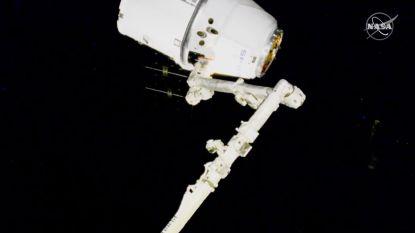 Allerlaatste Dragon 1-capsule vastgegrepen door astronauten in het ISS