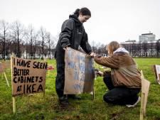Youth For Climate demonstreert met 1500 bordjes op het Malieveld