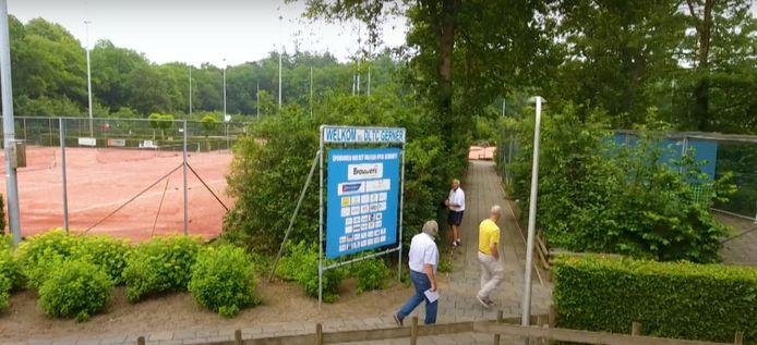 Op het sportpark van Tennisclub DLTC moet nog meer groen komen.