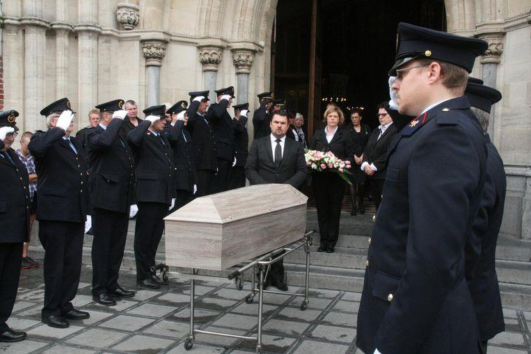 De brandweer vormde een erehaag voor Pierre Penninck.