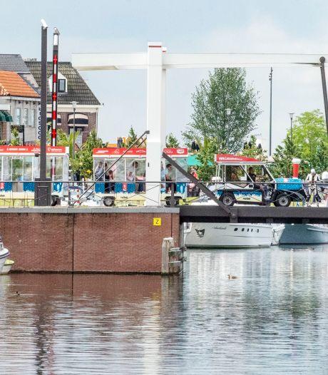 Het treintje rijdt weer in Harderwijk;<br>'Dit is veel leuker dan lopen!'