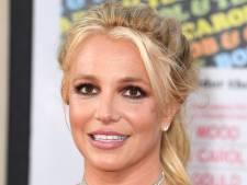 Britney Spears onder vuur om peperdure nooit gedragen pumps