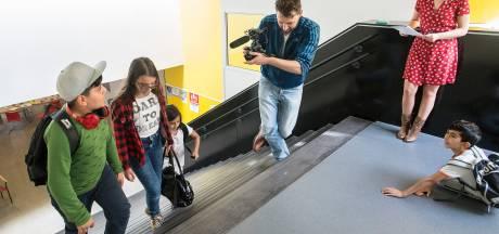 Vragen aan president Philips bij zondagsschool Petje af in Breda: 'Hoeveel batterijen maakt Philips?'