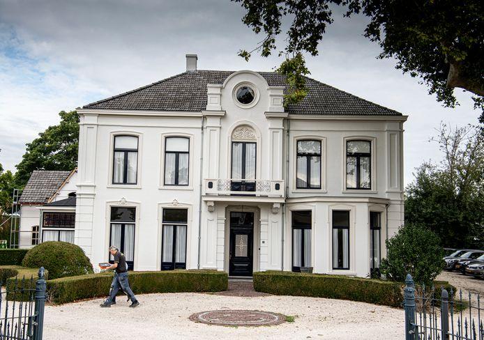 de gerestaureerde monumentale Villa Weltevreden.