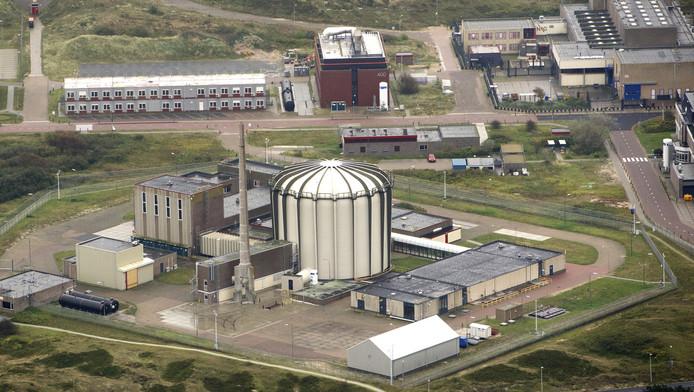 Luchtfoto van de kernreactor in Petten