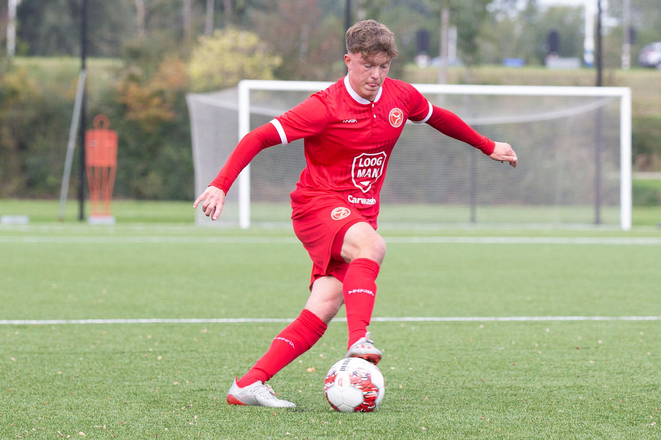 Oudewaternaar Ezra Hoogenboom veruilde Feyenoord voor Almere City.