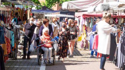 """Vlaams Belang voert actie op wekelijkse markt, die voor eerst weer open ging: """"Schaf standgeld tijdelijk af"""""""