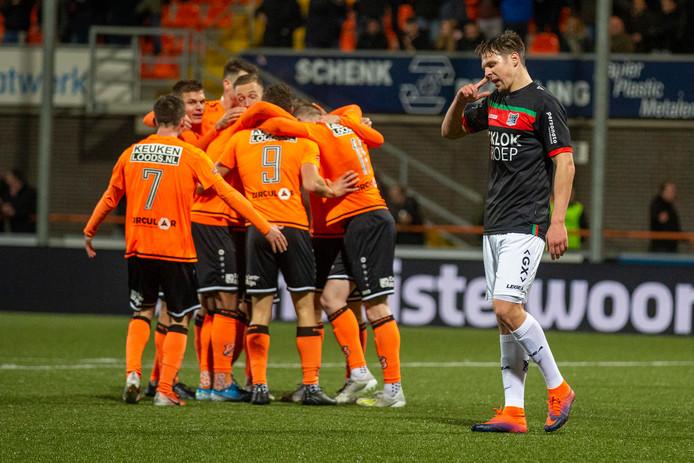 NEC-verdediger Josef Kvida baalt na de 2-0 van Martijn Kaars.