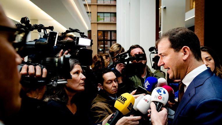 PvdA-lijsttrekker Lodewijk Asscher in gesprek met media Beeld anp