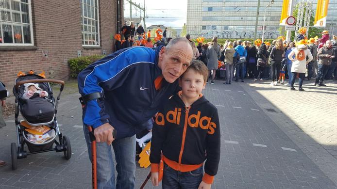 Wim van Dongen met jarige zoon Lars (8) uit Tilburg.