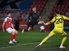 Manchester City voorkomt bekerblamage tegen Cheltenham