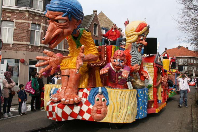 Zaterdag is het dorpscentrum voorbehouden aan carnavalvierders.