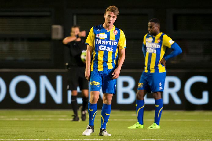 Daan Klomp treurt na de 2-2 tegen Almere City, eind september.