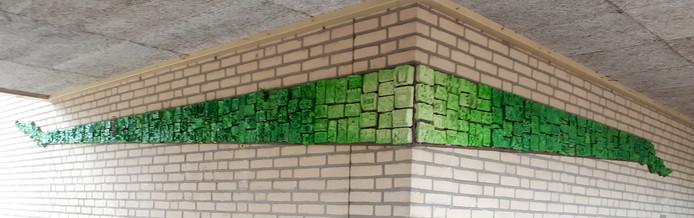 Kunstwerk door leerlingen gemaakt bij 10-jarig jubileum van basisschool De Wending. Foto Alfred de Bruin
