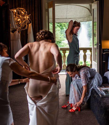 Denise (33) is de beste trouwfotograaf: 'Liever geen standaardfoto op een bruggetje'