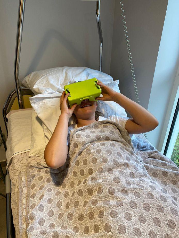 Test des lunettes de réalité virtuelle, à l'UZ Brussel