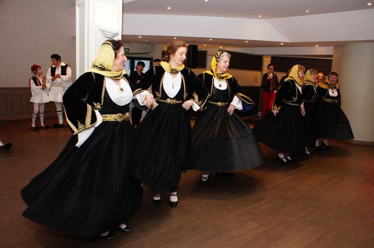 CC 't Aambeeld staat één avond in het teken van Griekse dans en cultuur.