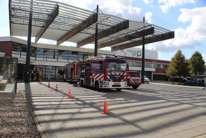 Brandweer voor Koningin Beatrix ziekenhuis Winterswijk.