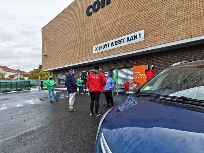 Door een vakbondsactie bleef de Colruyt in Alsemberg gesloten maandag.