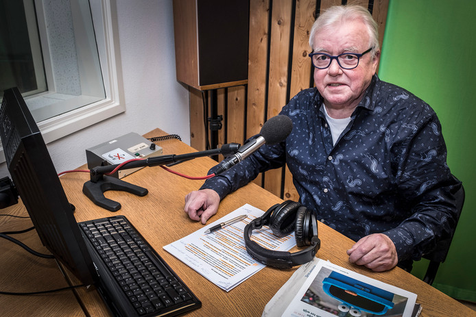 John Peters presenteerde 819 keer 'Het Dorpsplein'.