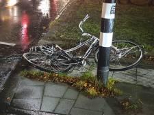Fietser gewond na aanrijding met vrachtwagen op Hengeloos kruispunt
