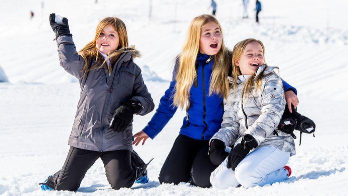 Alexia, Amalia en Ariane tijdens de jaarlijkse fotosessie, op 22 januari in Lech.