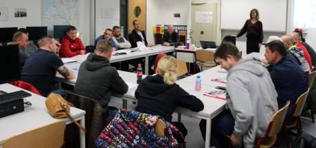 Oost-Europese vakmensen leren Nederlands jargon: 'Het is belangrijk dat je elkaar begrijpt'