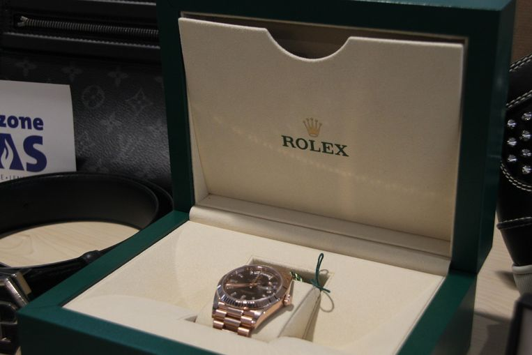 Een Rolexhorloge ter waarde van 38.750 euro.