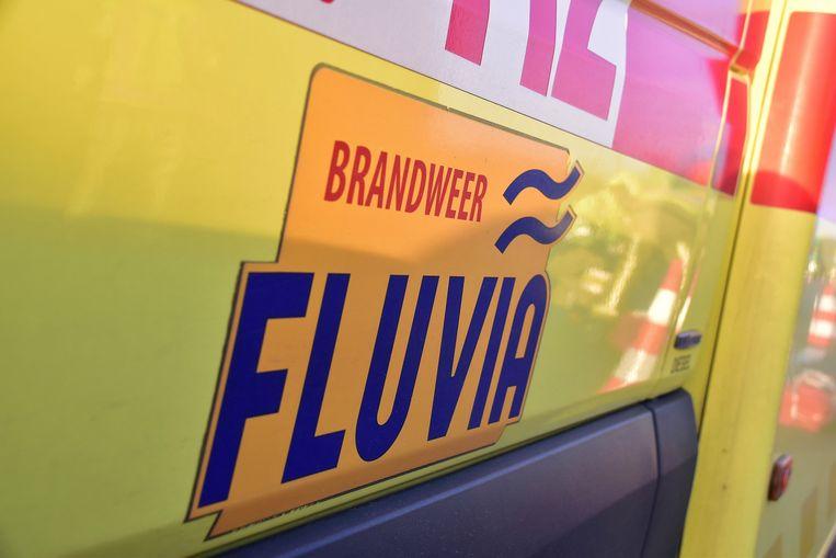 Er snelde een ziekenwagen naar de plaats van het ongeval maar niemand raakte noemenswaardig gewond.
