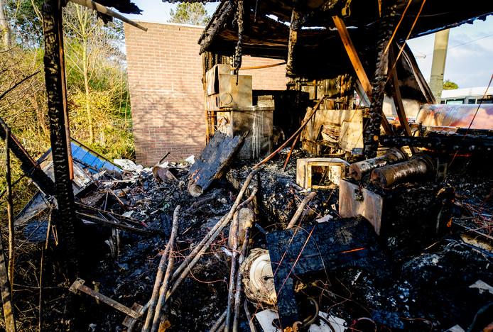De afgebrande snackbar in de Duindorp.