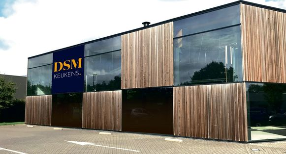 De nieuwe toonzaal van DSM Keukens in Sint-Martens-Latem.