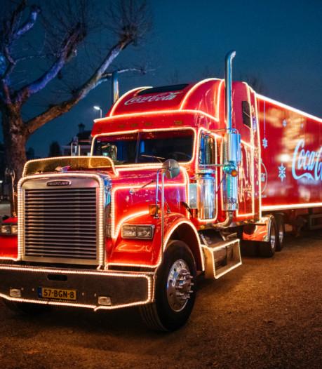 Coca Cola-kersttruck rijdt door Nederland